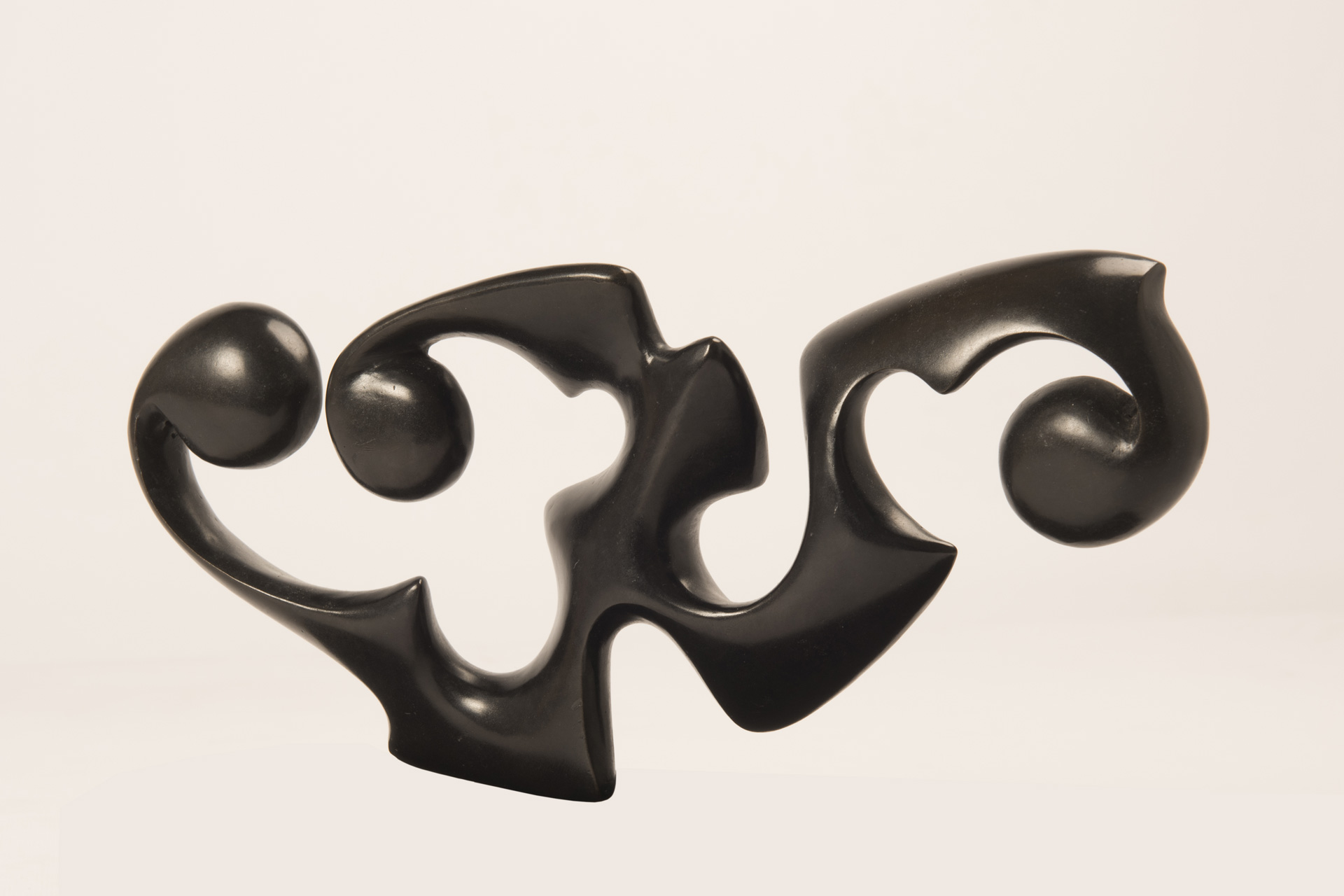 Disgiunto Oriente, 2008/2010 - Bronzo patinato nero, cm 13x27x15